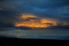 Una puesta de sol (enrique1959 -) Tags: martesdenubes martes nubes nwn islandia isla europa