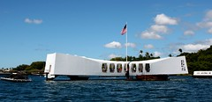 USS Arizona Memorial (Prayitno / Thank you for (12 millions +) view) Tags: arizona ford island hawaii harbor memorial ship oahu battle nave hi pearl honolulu sunken base uss hnl bb39 konomark