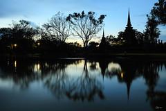 Wat Sa Si - Sukhothai Historical Park (Geourjon Benoit) Tags: park 2 canon thailand temple asia mark south si royal buddhism east thai historical 5d asie 16 sa wat 35 luang sukhothai thailande chedi viharn