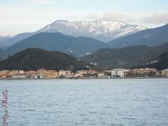 RIVA TRIGOSO il mare e la neve (maxphotography81) Tags: colors landscape nikon mare neve inverno spiaggia monti s3000 rivatrigoso