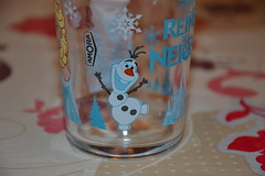 Verre La Reine des Neiges (Girly Toys) Tags: la reine des neiges frozen disney princesse princess elsa anna olaf sven kristoff hans duc de weselton guimauve marshmallow oaken froid cold hiver winter collection verre glass drink missliliedolly miss lilie dolly aurelmistinguette girly toys collectible girlytoys