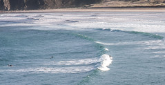 L'anse de Dinan (1) (jfgornet) Tags: bretagne surfers vagues plage mg0203