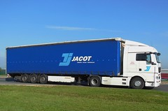 "MAN TGX Semi-Remorque Tautliner ""Transports JACOT"" (xavnco2) Tags: man france truck lorry camion trucks f80 picardie lkw semitrailer somme autocarro longueau tautliner tgx semiremorque curtainside glisy"