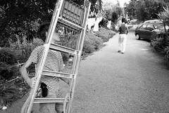 O escadote (Dani Alvarez Caellas) Tags: street boy blackandwhite bw blancoynegro portugal monochrome calle stair child streetphotography escalera rua chico alentejo nio carrer blancinegre brancoepreto escala monochorme escadote boaf freguises