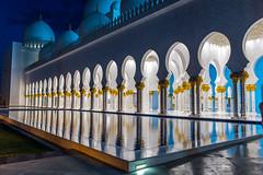 2014-09-07-18_05_29-DSC_8802-2048px (Domenico Leonardo) Tags: famiglia abudhabi settembre viaggio moschea sheikhzayed 2014 emiratiarabi