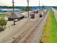 LIRC Columbus Yard (3) (lircmatt92) Tags: railroad columbus yard li pacific union trains lirc columbusindiana lirc2001 csxq268