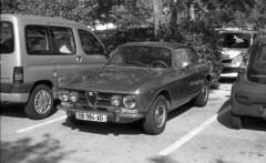 6154.Old Alfa Romeo (Greg.photographie) Tags: old blackandwhite bw film analog 50mm noiretblanc alfa 18 miranda alfaromeo f50 sensomat r09 polypan