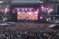 Bruce Springsteen & The E Street Band (Eric_G73) Tags: paris concert hands audience guitar live stage crowd screens brucespringsteen springsteen stadedefrance wreckingballtour