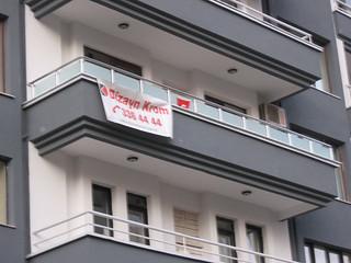 Kumlu camlı balkon korkuluğu