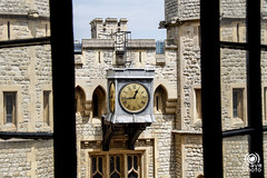 Tower of London (andrea.prave) Tags: uk bridge england london tower castle thames river king torre fort fiume royal jewelry palace queen ponte corona londres crown crow palazzo castello londra middleages reale medioevo inghilterra tamigi fortezza beefeaters gioielli  visitlondon    londonpass