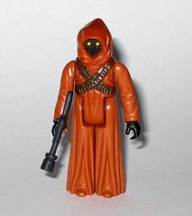 jawa star wars a new hope 1977 1978 kenner action figure hong kong coo with original jawa blaster weapon c cloak removed not shown (tjparkside) Tags: new original light brown dark four hope star with action robe 4 anh hong kong fabric weapon figure crepe cape stitching hood cloak kenner 1978 wars 1977 iv jawa episode coo blaster