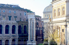 theatre of Marcellus (itsabreeze) Tags: rome italy theatre theatreofmarcellus ancientrome history building