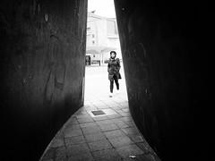 Entrance (Hans-Jörg Aleff) Tags: berlin blackwhite entrance streetphotography deutschland