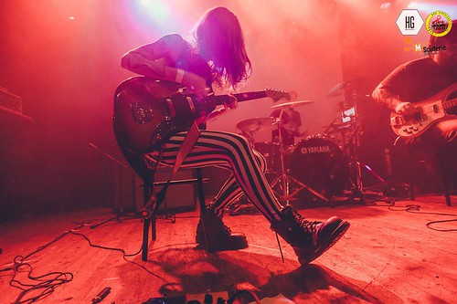 Ilenia Volpe 🎸 #alternative #rock 🌹 #grunge #cantante #indie #music   #dalvivo 👿 #musica 💀 #sottosuolo #singer #concerti #underground #roma #tibervalley📷 ] ;)::\☮/>> http://www.elettrisonanti.net/galleria-fotografica/