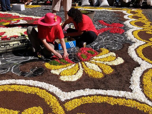ジェンツァーノ(イタリア)のお祭り:インフィオラータ(花祭り)