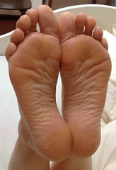 IMG_0401ed (thermosome) Tags: foot feet mature soles wrinkled milf
