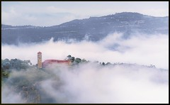 Monastero (ELtano86) Tags: eltano86 montserrat catalunya catalonia monastero montagna montes mist mistymorning misty morning fog nebbia nebbiosa mare mountains architrcture architettura spain barcellona barcelona ☯laquintaessenza☯