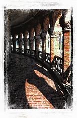 Kirkeristen -|- Oslo archade (erlingsi) Tags: oslo archade kirkeristen norway architecture old nice shadows skygger skugger