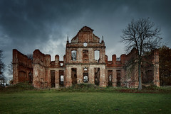 Klausdorf (Łukasz Małkiewicz) Tags: abandoned creepy forgotten spooky haunted manor mansion palace lost urbex autumn opuszczone