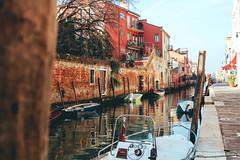 Venice (sandra_laranja) Tags: veneza venice venezia italy itália viagem canais água barco boat canals water orange blue travel world mundo travelling dslr canon