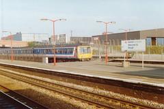 19900318 011 Slough. Pressed Steel Class 117 DMBS, 51361 Set L423 Rear Of Paddington-Reading Train (15038) Tags: br diesel trains slough railways britishrail dmu 51361 pressedsteel class117 dmbs l423