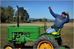 Thumbs up here we go 10 4 2014 (rbdal (Rick Dalrymple)) Tags: tractor fall oregon nikon johndeere sauvieisland multnomahcounty thepumpkinpatch d7000