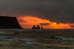 Sólarupprás við Reynisdranga/Sunrise at Reynisdrangar (icecold46) Tags: sunrise iceland brim reynisdrangar okt2014