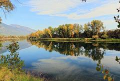 The start of fall colors (Team Hymas) Tags: reflection fallcolors wildlife idaho refuge kootenai bonnersferry