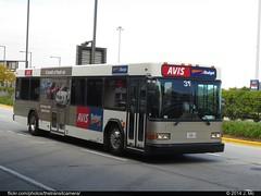Avis Budget 31 (TheTransitCamera) Tags: bus budget rental company shuttle gillig avis rentacar