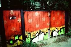 1168 (Georgie_grrl) Tags: streetart toronto ontario photographers social pentaxk1000 outing expiredfilm flickrphotowalk rikenon12828mm torontophotowalks topwsa kodakektachrome64ttungtenfilm