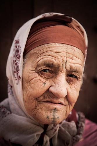 Portrait of a berber woman in Meknès (Morocco)