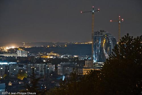 Panorama et la Tour des finances.