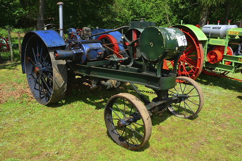 Woolpit Steam Rally, Vintage Tractors, Overtime R 1916