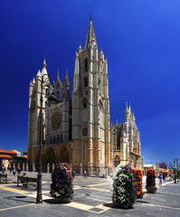 Catedral de Len (Iabcstm) Tags: iabcselperdido iabcstm iabcs elperdido