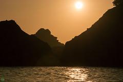 DSC_4239.jpg (d3_plus) Tags: sunset sea sky fish beach japan ferry twilight scenery ship diving snorkeling   suzuki shizuoka     izu j4   sunsetcruise     skindiving minamiizu       nikon1 hirizo    nakagi 1nikkorvr10100mmf456  nikon1j4 donbane donbanemaru   beachhirizo misakafishingport