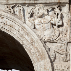 Arch of Constantine - 4 (Paul Dykes) Tags: italy sculpture rome roma italia triumphalarch basrelief archofconstantine ancientrome emperorconstantine