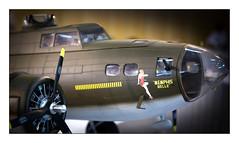 Pin-up (Rémi Marchand) Tags: miniature avion modélisme pinup memphis belle bombardier forteresse volante flying fortress maquette b17 b 17