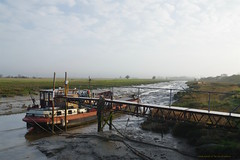 Mist on the Creek...... (favmark1) Tags: day87 365 2017 365challenge creek boats barges faversham favershamcreek