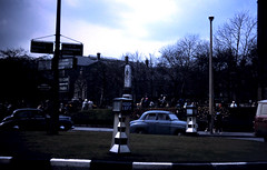 Queens Square Roundabout Rawtenstall May 1964 (Rossendalian2013) Tags: rawtenstall lancashire queenssquare roundabout cenotaph warmemorial librarygardens sparrowpark listed mountterrace stmaryschurchschool henrystreet louisfrederickroslyn rossendale car 1960s