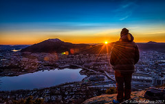 Beautiful sunset in Bergen (Rita Holdhus) Tags: 2017 blåtime nattbilder solnedgang sørekamvei utsikt sunset bluehour colors view mountain løvstakken fløyen cold dark city bergen sun sky flare person