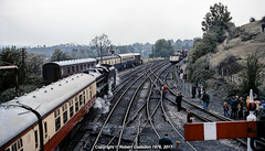 1976 - View from the Footbridge.. (Robert Gadsdon) Tags: 1976 severnvalleyrailway bridgnorthstation black5 45110 rafbigginhill footbridgeview
