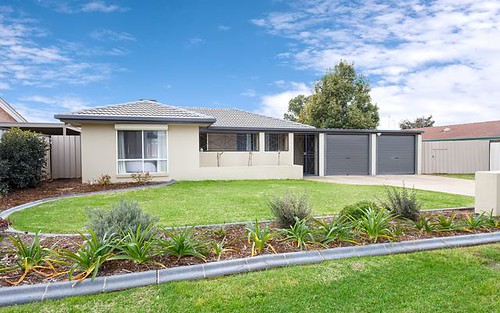 4 Naretha Street, Glenfield Park NSW 2650