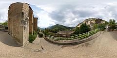 Village de Peyre - Viaduc de Millau - Aveyron (weshbond) Tags: peyre viaduc viaducdemillau aveyron occitanie
