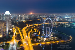 Singapore Flyer @ Night (redEOS92) Tags: singapore singapur canon asia city architecture skyline travel holiday world buildings skyscrapers night blue sky lights bay water glass flyer riesenrad panorama
