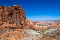 Large Sandstone Outcrop (Valley of Fire State Park, Nevada) (peterwaller) Tags: valleyoffire nevada statepark park usa america us sandstone desert outcrop mojavedesert dry