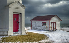 Green awakening (Danny VB) Tags: canon 6d winter snow gaspésie québec canada capdespoir atlantic ocean sky clouds lighthouse phare house neige hiver