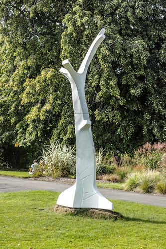 Idealised Memories Of Vertical Growth By Ken Drew - Sculpture In Context 2014 Ref-1152