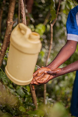 'This is how we wash our hands' | Kenya (ReinierVanOorsouw) Tags: kenya health wash kenia hygiene ngo sanitation kakamega kenyai kisumu beyondborders gezondheid qunia  simavi   beyondbordersmedia beyondbordersutrecht sanitatie ngoproject