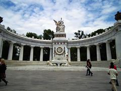 monumento a juarez (eriksanchez) Tags: de mexicocity bellasartes expo monumento centro esculturas colores cielo artes domingo zocalo juarez bellas palacio marmol azuk