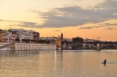 Triana (Erre Taele) Tags: bridge sunset rio river puente atardecer sevilla andalucia barrio triana zubia ibaia ilunabarra